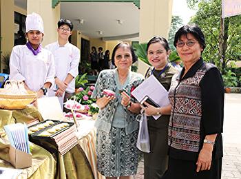 งานจัดแสดงโครงงานวิชาขนมไทย จากนักศึกษาสาขาวิชาคหกรรมศาสตร์