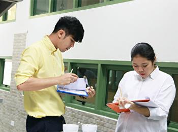 นักศึกษาสาขาวิชาคหกรรมศาสตร์ เข้ารับการทดสอบมาตรฐานฝีมือแรงงานแห่งชาติ สาขาอาชีพผู้ประกอบอาหารไทย ระดับ 1