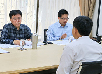 การสอบสัมภาษณ์นักศึกษาเพื่อรับทุนแลกเปลี่ยน ฝึกประสบการณ์วิชาชีพ ณ ต่างประเทศ